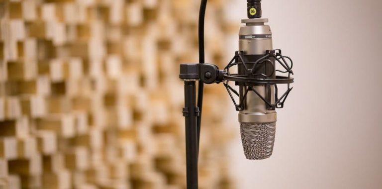 Zdjęcie mikrofonu studyjnego